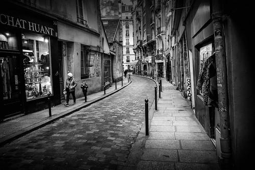 STREET (Mohsan') Tags: france fujixt1 mohsan paris xf1855mm street