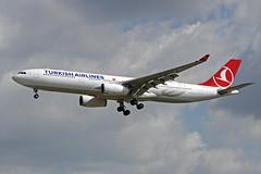 TC-LOC EDDF 16-06-2017 (Burmarrad) Tags: airline turkish airlines aircraft airbus a330343 registration tcloc cn 1542 eddf 16062017