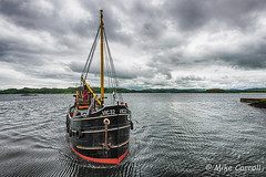 VIC 32 Approaching Crinan Sea Loch (carrmp) Tags: steam steamer boat clyde puffer coal crinan vic32 sound jura scotland uk argyll bute