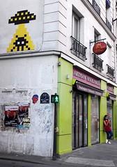 PA_1281 Space invader in Paris 3rd (Sokleine) Tags: spaceinvader invader streetart street rue artderue urbanart arturbain citycentre ceramics mosaics tiles paris france 75003 boulangerie bakery bakersshop girl mobile telephone