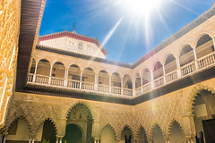 Peace of backlight (chenjieyu) Tags: sevilla andalucía 西班牙 es architecture palace sun sky backlight moorish