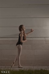 Under a spell {10} (dewframe) Tags: dance girl ballet emotive dramatic mood feelings outdoor young teen