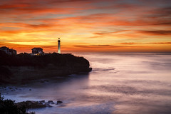 Sky on fire #explore (Fabien Georget (fg photographe)) Tags: rocks ocean mer lighthouse sea phare landscape paysage water sky storm ayezloeil beautifulearth bigfave canoneos600d canon elitephotography elmundopormontera eos fabiengeorget fabien fgphotographe flickr flickrdepot flickrunited georget geotagged flickunited longue mordudephoto nature paysages perfectphotograph perfectpictures wondersofnature longexposure poselongue canon5dmarkiii wonders supershot supershotaward theworldthroughmyeyes shot photography photo greatphotographer french monument bluehour aquitaine biarritz granit seascape sunset paysbasque eau ciel winter côte