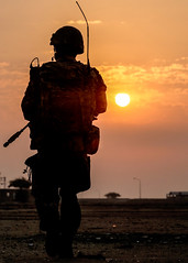 A Royal Marine Commando patrols in Kuwait (Ben Shread) Tags: uk newsevent surfaceship aircraftcarrier gulf ocean portsmouth hampshire