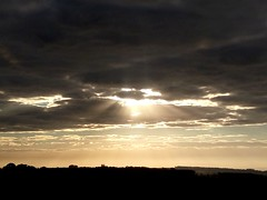 (IgorCamacho) Tags: sun sol southern brasil paraná sunrise amanhecer clouds nuvens nubes sky cielo céu nature natureza