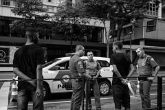 São Paulo, Brazil, 2015. (Luis Miguel Torres Manchola) Tags: candid everybodystr leica leicacamera leicaworld leicam240 leicam leicasummarit35 people street streetlife streetplay streetphoto streetshot streetphotographer streetphotography streetphotographyscene streetphotoclub saopaulo brazil police marihuanasmokers