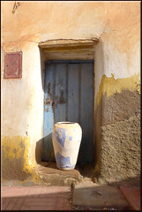 next to my door (mhobl) Tags: door blue vase amphore sidiifni maroc marokko