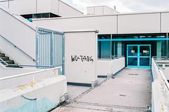 Neuperlach, München (Mike Dizzy) Tags: münchen munich bayern bavaria germany deutschland architektur architecture stadt city urban neuperlach 35mm film c41 analog 35mmseriese fuji 400h nikon f801s n8008s