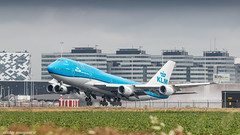 KLM 747-400 rocketing out of Amsterdam for Chicago (Nicky Boogaard) Tags: boeing airbus aviation dmaviation aircanada klmcityhopper aa americanairlines kalittaair deltaairlines 787 dreamliner easyjet a319 747 freigther 747400 777200 77w 7878 7879 embrear e175 jetairways united keniaairways