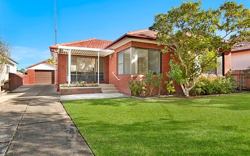 13 Guest Av, Fairy Meadow NSW 2519