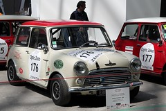 #176 Morris Cooper S 1965 (seb !!!) Tags: 2017 auto automobile automovel automovil automobil coupé coach canon 1100d cars course sportive anciennes ancienne old oldtimers populaire paris seb france voiture wagen car tour optic 2000 grand palais grande bretagne anglais anglaise english british britain england race racing competition photo picture foto image bild imagen imagem rouge red rosso rojo vermelho rot blanc blanche white blanco branco bianco weiss toit roof dach techo tetto telhado classique classic klassic chrome