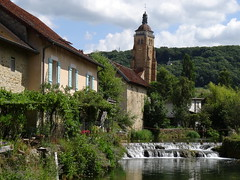 Arbois, Jura (Pierre Roy (woper25)) Tags: france randonnée randonnées francia franchecomté frankreich jura ruisseau églises église village arbois vignobles vignoble