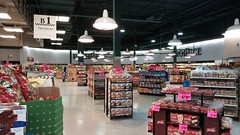 Light vs. Dark (Retail Retell) Tags: superlo foods grocery store southaven ms desoto county retail former schnucks albertsons seessels corrugated metal decor interior seesselsbyalbertsons