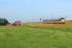 NSR 4037 @ Hattem (Sicco Dierdorp) Tags: ns nsr reizigers koploper icm iciii serie4000 hattem zwolle wezep veluwelijn hanzelijn hanzebrug ijsselbrug