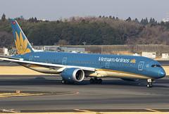 Vietnam Airlines 787-9 VN-A865 (birrlad) Tags: tokyo narita nrt international airport japan aircraft aviation airplane airplanes airline airliner airlines airways arrival arriving taxi taxiway landed runway boeing dreamliner b787 b789 787 7879 vna865 vietnam vn300 hochiminhcity