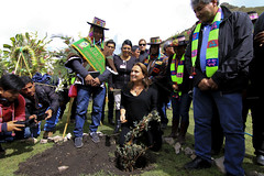 "Ministra Pérez Tello inauguró santuario ecológico en memoria de los mártires de Uchuraccay • <a style=""font-size:0.8em;"" href=""http://www.flickr.com/photos/156664909@N08/35887369465/"" target=""_blank"">View on Flickr</a>"