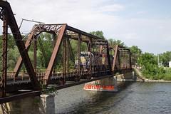 IANR 3802-3 (eslade4) Tags: ianr iowanorthernrailway cedarfalls ianr3802 ianr3800 gp382 bridge