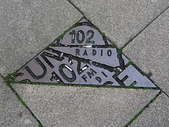 Manchester music pavement art on Oldham Street (stillunusual) Tags: manchester oldhamstreet pavement sidewalk mcr city england uk northernquarter nq manchesterstreetphotography streetphotography street urban urbanscenery pavementart art artwork publicart contemporaryart modernart culture triangle manchestermusic music history streetart sunset102 sunsetradio 808state madchester rave acidhouse 2017