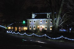 24 House (megatti) Tags: buckscounty christmas christmaslights house pa pennsylvania shadybrookfarm yardley
