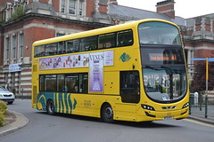 RATP Bournemouth Yellow Buses 198 BF15KFK (Will Swain) Tags: seen bournemouth 4th may 2017 south dorset bus buses transport travel uk britain vehicle vehicles county country england english ratp régie autonome des transports parisiens yellow 198 bf15kfk