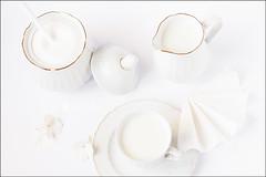 Proyecto 189/365 (Art.Mary) Tags: leche lait milk blanco blanc white bodegón stilllife naturemorte canon proyecto365 minimalista minimalist ázucar sucre sugar