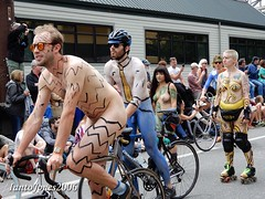 DSCN2181 (IantoJones2006) Tags: fremont solstice cyclists 2017 naked bike seattle parade nude painted body paint bicycle