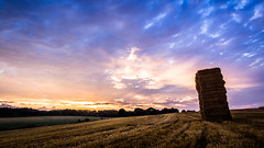 (SylvainB_) Tags: sarthe france campagne ciel crépuscule nuage champ paille nature paysage cloud photography landscape twilight colors couleur