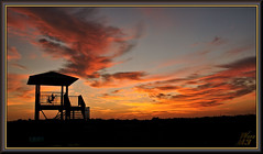 It ends well (WanaM3) Tags: wanam3 sony a700 sonya700 texas houston outdoors elfrancoleepark observationplatform clouds redsky sky vista landscape twiligh dusk sunset