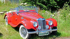 MG TF 1500 roadster 1954 GB (claude 22) Tags: tour de bretagne abva 2017 rallye old vintage classic vehicule cars voitures automobiles collection brittany finistère france fuji fujifim fujinon voiture morlaix rouge red cabriolet roadster mg tf 1500 1954 gb tourdebretagneabva rojo fifties 1950s tourdebretagne2017 claude22 claudelacourarie