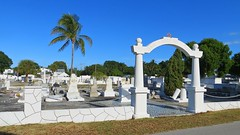 Key West (Florida) Trip 2016 2233Rif 9x16 (edgarandron - Busy!) Tags: florida keys floridakeys keywest keywestcemetery cemetery cemeteries grave graves tomb tombs