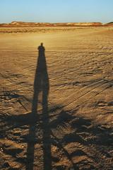 (Swebbatron) Tags: australia southaustralia cooberpedy outback breakaways thebreakaways 2008 travel fuji radlab lifeofswebb shadow dawn sunrise groovygrape selfie selfportrait