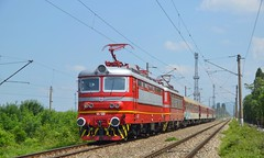 Fresh paint (Nikolai Kozarski) Tags: 44120 44144 bulgarin bulgaria railway train fast sofia plovdiv