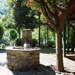 02i0617 (photo & life) Tags: italia italie europe jfl photography photolife™ fujifilm fujinon fujifilmxpro2 14mm fujinonxf14mmf28r france paris squareformat squarephotography fanano garden fontaine colors mountain