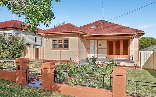 71 Lithgow St, Campbelltown NSW 2560