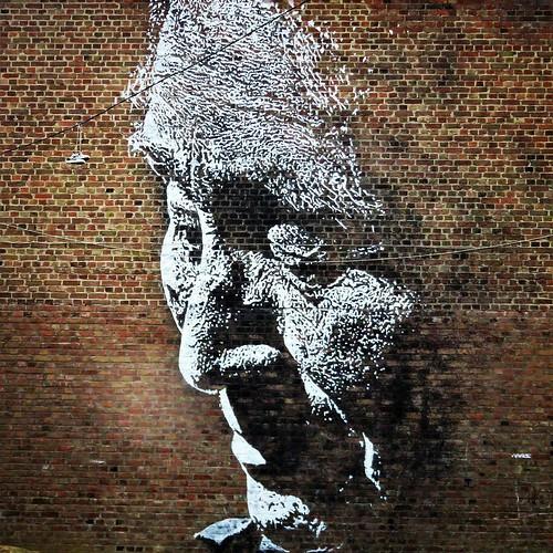 A #master creates #topwork / #Art by #Vhils. #Roubaix #france #streetart #graffiti #urbanart #graffitiart #urbanart_daily #graffitiart_daily #streetarteverywhere #streetart_daily #wallart #mural #ilovestreetart #igersstreetart #rsa_graffiti #StreetArtCiti