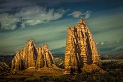 mystified rock architecture (2d vs 3d) Tags: capitolreef
