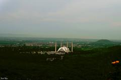 Marghala Mountains & Faisal Mosque (basitkhan7) Tags: faisalmasjid islamabad pakistan nikon nikonasia nikond5100 nikonpakistan green nature outdoor