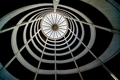 Whirl (Maerten Prins) Tags: germany duitsland hamburg parking parkhaus grossereichenstrasse spiral curve curves circle round up light architecture indoor garage