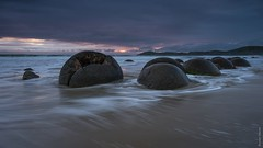 NZL / Moeraki Boulders - Seconds of Light (steiner_roman) Tags: nzl moeraki boulders neuseeland new zealand