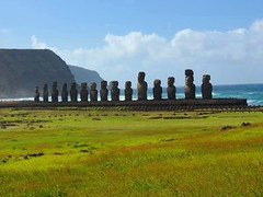 Tongariki (ruben25x12) Tags: isladepascua easterisland easter polinesia polynesia moai islapajaro orongo ranoraruka marae cultura akivi hangaroa chile anakena