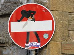 Senso vietato n°6 (scardeoni_fabrizio) Tags: segnale senso vietato stradale rosso