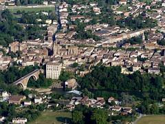 Rabastens (François Magne) Tags: ulm pendulaire vue aerienne village église rue ruelle pont tarn tarnetgaronne rabastens bastide