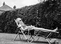 000996240015-1 (pavelkricka) Tags: holbrook bronica ilford hp5 lazinginthegarden lazing garden