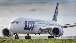 LOT Polish Airlines / Boeing 787-8 Dreamliner / SP-LRE