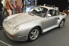 Porsche 959 Comfort 1988 (Zappadong) Tags: techno classica essen 2017 porsche 959 comfort 1988 zappadong oldtimer youngtimer auto automobile automobil car coche voiture classic classics oldie oldtimertreffen carshow