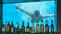 "Say ""bubbles"" (Tidyshow) Tags: water underwater swimming swim pool window alcohol bubbles sony a77ii ilca77m2 tamron"