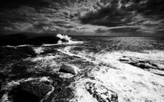 Atlantic Blast (-- Q --) Tags: stjohnspoint codonegal ireland atlanticcoast donegal atlanticocean aveensboathouse waves sea lee09softgrad lee06softgrad marumidhgcpl qthompson