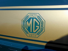 1975 MGB GT (splattergraphics) Tags: 1975 mgb mg mgbgt bgt 50thanniversary carshow fairmountpark redlionpa