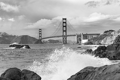 The wave (frank.gronau) Tags: franb gronau sony alpha 7 schwarz weis black white golden gate bridge san francisco wave welle ozean meer ocean atlantik felsen wolken clouds rock