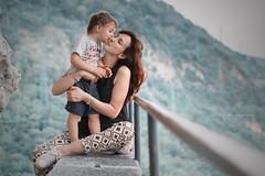 Smack (Diego Pianarosa (aka Pinku)) Tags: diegopianarosa pinku moglie figlio bacio kiss wife child son cute soe fantastic love amore